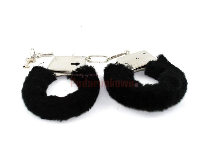 Kajdanki z czarnym futerkiem