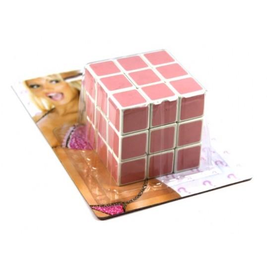 Kostka Rubika dla blondynki