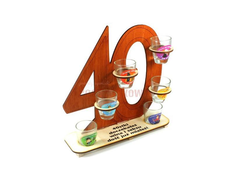 Super upominek na 40-ste urodziny! Pełni funkcję praktycznego stojaka na kieliszki oraz pamiątkowego gadżetu z urodzinowej imprezy :)
