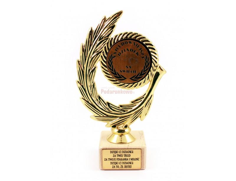 Złoty Laur jest doskonałym pomysłem na prezent z okazji Dnia Dziadka. Jest to elegancka, starannie wykonana i pomysłowa statuetka o symbolicznym znaczeniu