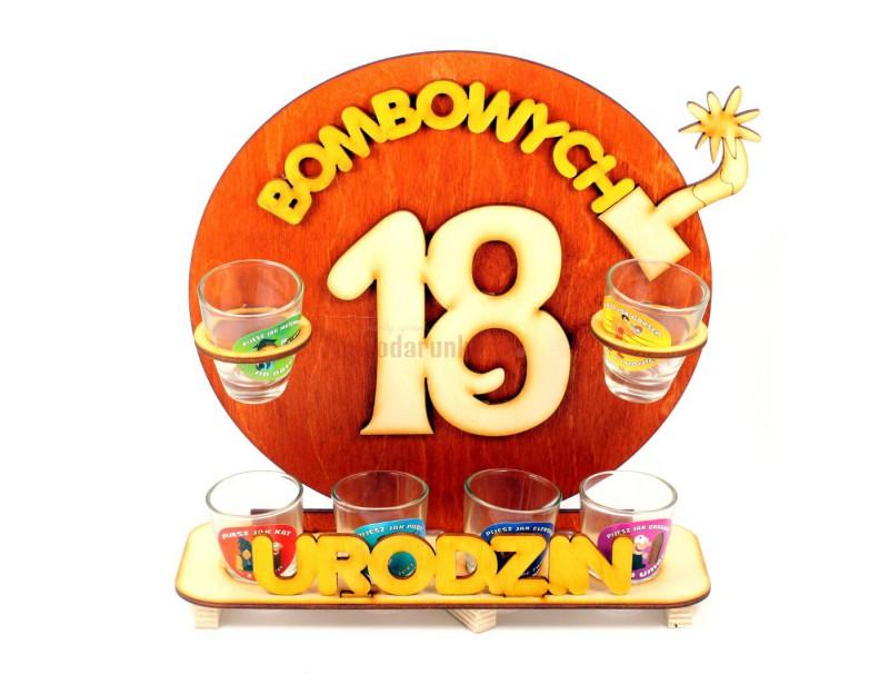 Oryginalny, ozdobny stojak na 18-stkę będzie świetnym upominkiem na wyjątkowe i jedyna w swoim rodzaju 18-ste urodziny