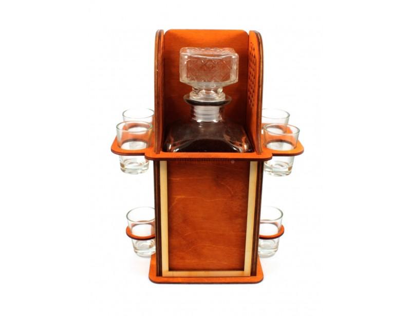Drewniany, oryginalny konfesjonał z sześcioma kieliszkami i piękną szklaną karafką będzie doskonałym prezentem na 30-stkę, 40-stkę lub 50-tkę :)