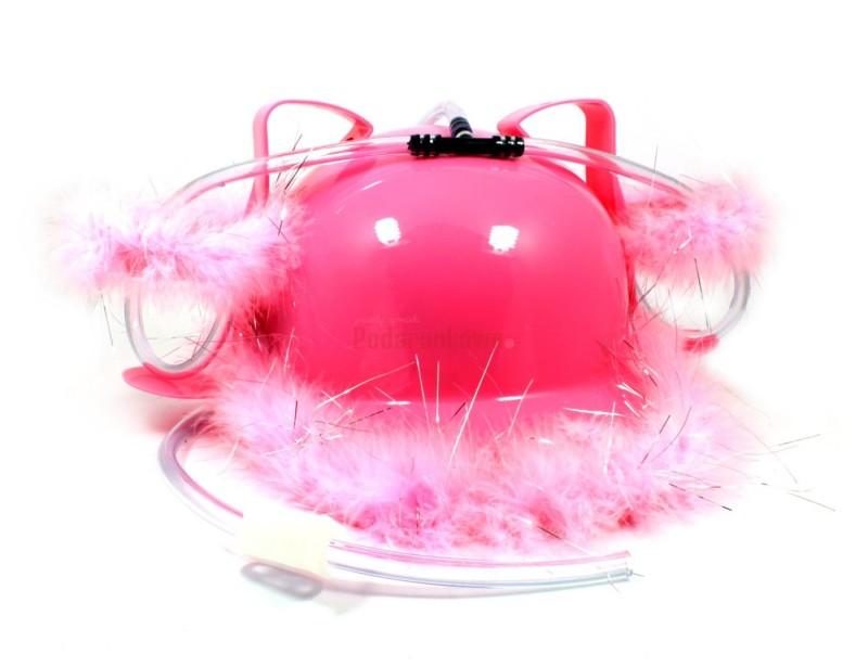 Szukasz oryginalnego i nietypowego, a zarazem zabawnego prezentu dla dziewczyny? Świetnym pomysłem jest różowy hełm piwny, ozdobiony delikatnym różowym puchem:)