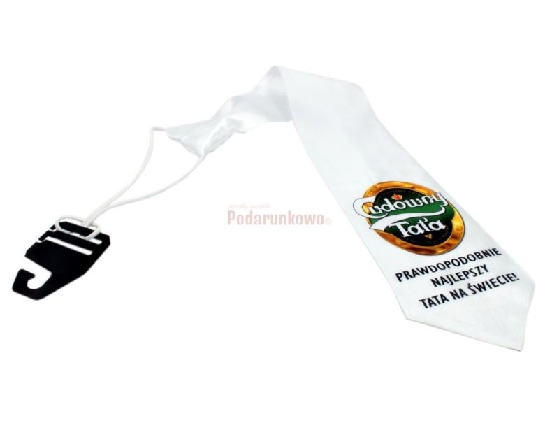 Wyjątkowy, biały krawat z symbolicznym napisem jest świetnym pomysłem na prezent dla każdego Taty.