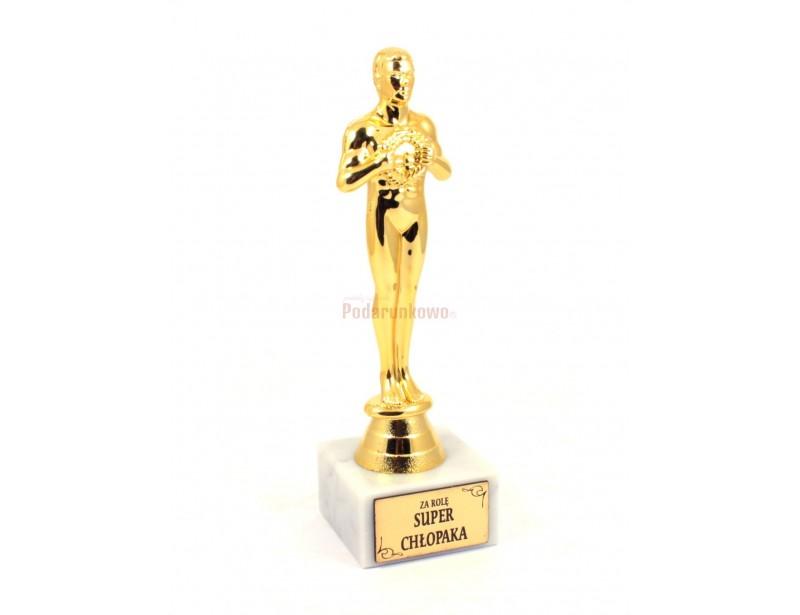 Statuetka Wiktora jest doskonałym pomysłem na prezent dla fajnego chłopaka :)