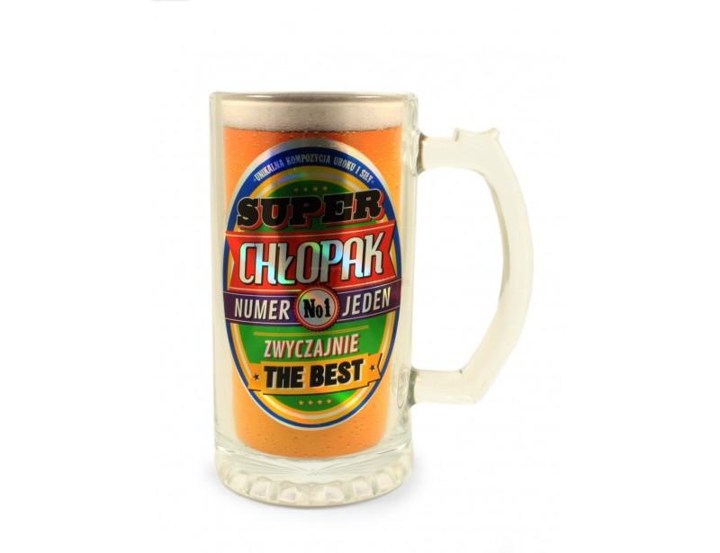 Elegancki, bardzo ładny kufel na piwo jest wyjątkowo trafionym pomysłem na prezent dla chłopaka.