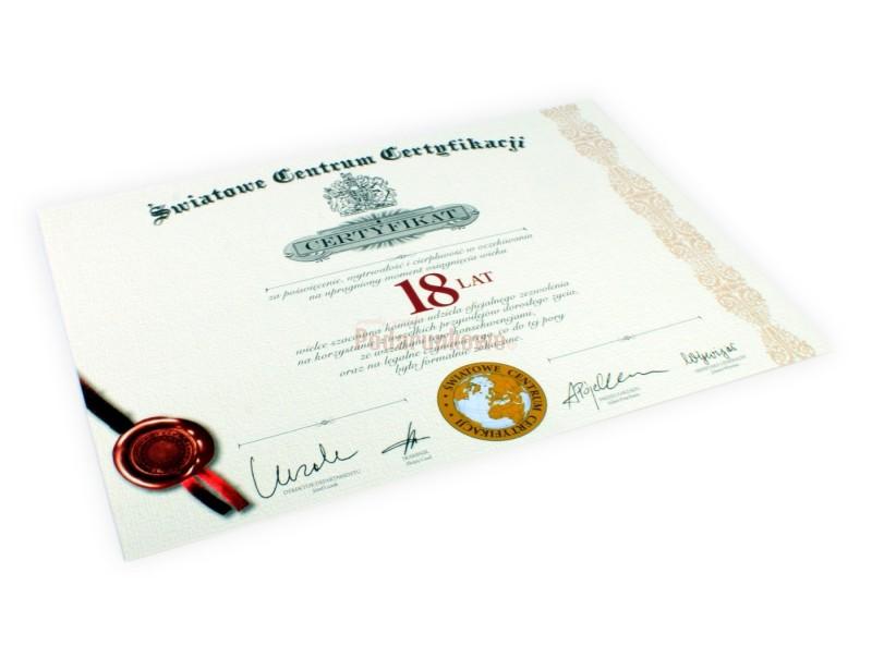 Światowe Centrum Certyfikacji udziela imiennego certyfikatu za poświęcenie, wytrwałość i cierpliwość w oczekiwaniu na upragniony moment osiągnięcia wieku 18 lat