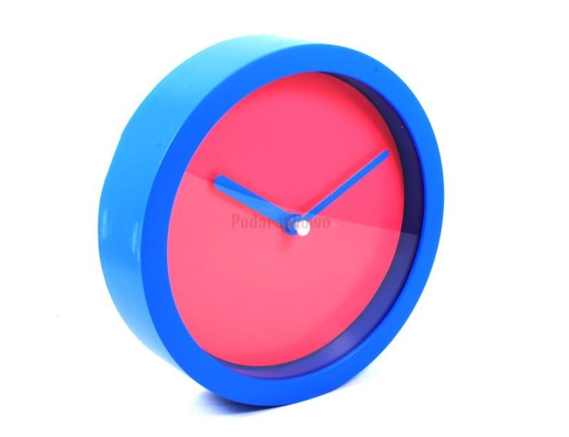 Nowoczesny wygląd zegara z pewnością przypadnie do gustu pasjonatom rzeczy designerskich i nieprzeciętnych :)