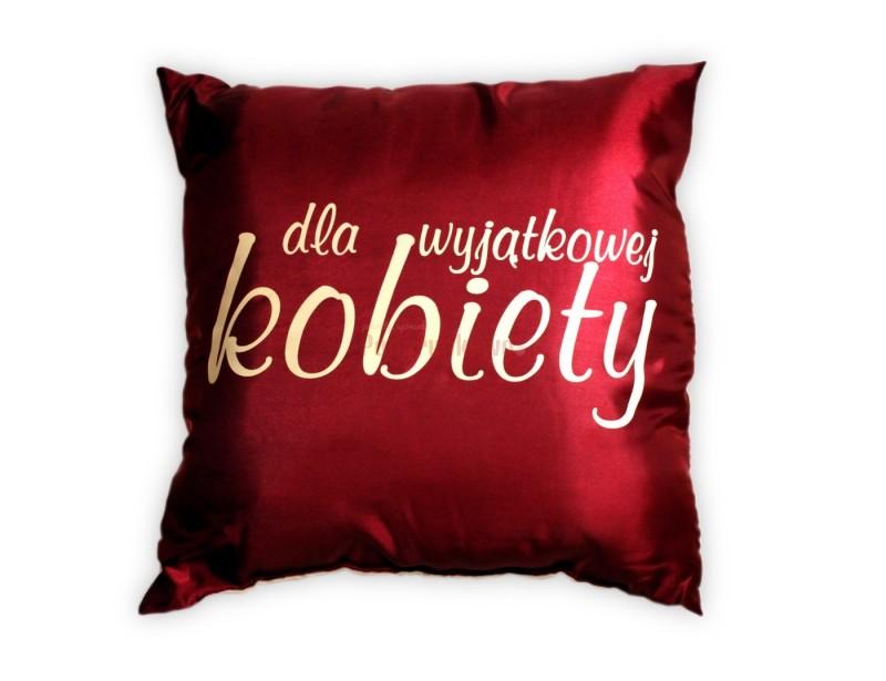 """Jest miękka, piękna i wygodna :) Oto idealny prezent dla każdej kobiety - czerwona poduszka z super napisem """"Wyjątkowa poduszka dla wyjątkowej kobiety""""."""