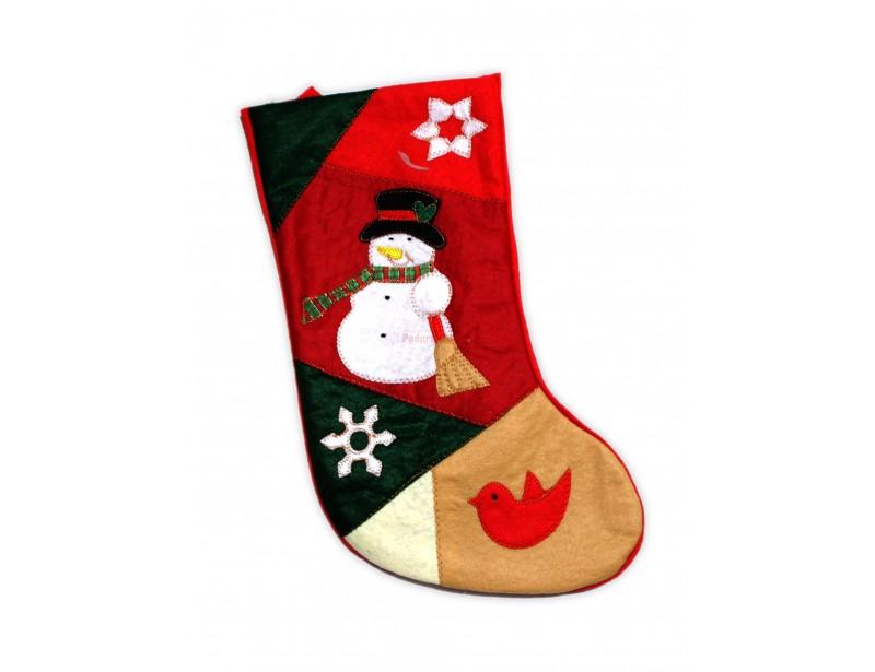 Gwiazdkowe skarpety na prezenty są znakomitym dodatkiem do świątecznego, wigilijnego wystroju mieszkania.