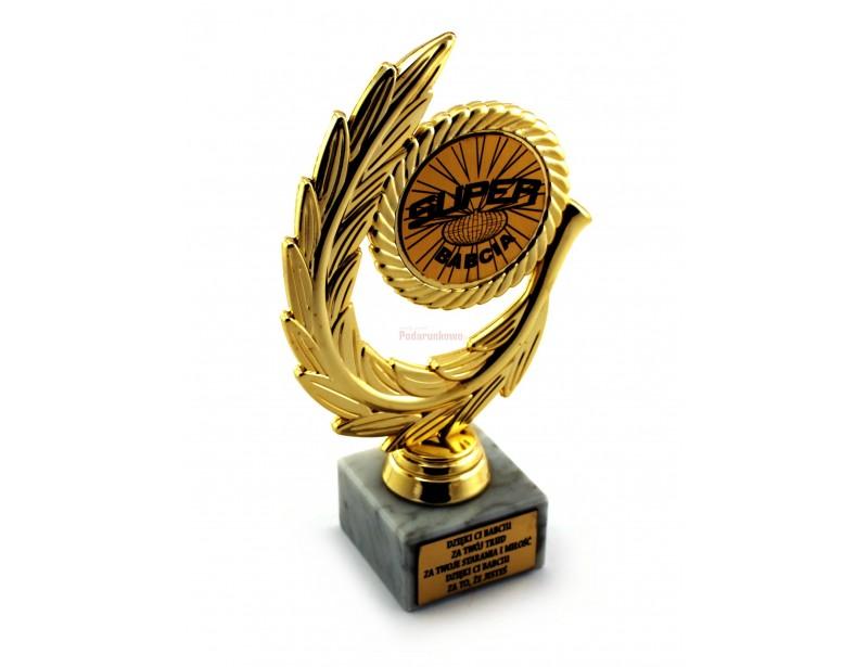 Złoty Laur jest doskonałym pomysłem na prezent dla babci. Jest to elegancka, starannie wykonana i pomysłowa statuetka o symbolicznym znaczeniu.