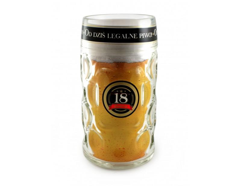 Rzecz jasna - rozmiar ma znaczenie :) Bo osobie wchodzącej w wiek pełnoletni, przekraczającej magiczną cyfrę 18 przyda się taki gadżet :) Kufel XXL gwarantuje, że piwo nie skończy się szybko