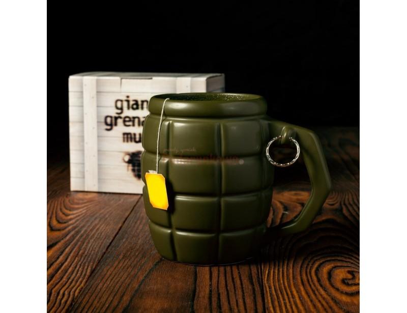 Twój znajomy, tata, brat lub mąż jest żołnierzem? To dla niego idealny prezent! :) Wielki kubek w kształcie granatu to oryginalny upominek z okazji urodzin lub imienin.