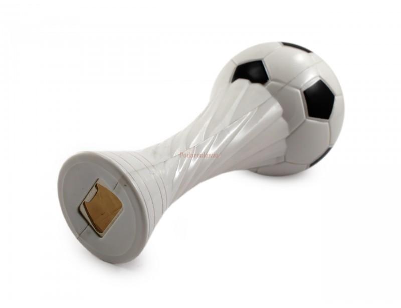 Mega fajny otwieracz do butelek w kształcie piłkarskiego trofeum. To świetny pomysł na prezent dla mężczyzny, który lubi, gdy podczas kibicowania towarzyszy mu zimna butelka piwa :)