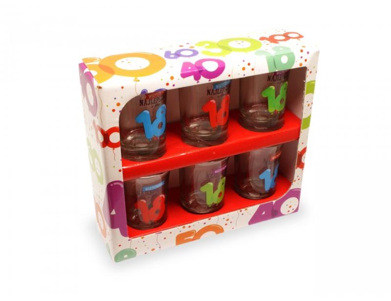 Kolorowe, wesołe, niepowtarzalne kieliszki to niezastąpiony prezent na 18 urodziny zarówno dla chłopaka jak i dla dziewczyny.