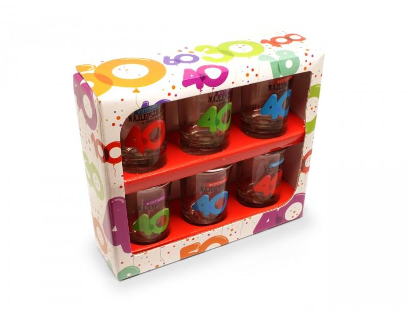 Kolorowe, wesołe, niepowtarzalne kieliszki to niezastąpiony prezent na 40 urodziny zarówno dla mężczyzny jak i dla kobiety.