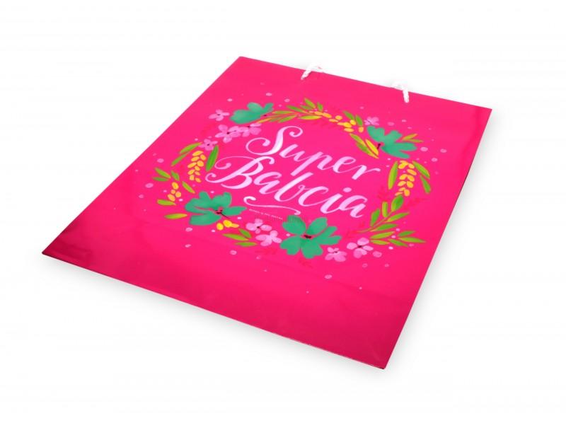 Śliczna torebka ozdobna to idealne dopełnienie całości prezentu. Torebka pięknie wygląda, jest wykonana z dobrej jakości papieru i praktycznie posłuży podczas wręczania upominków.