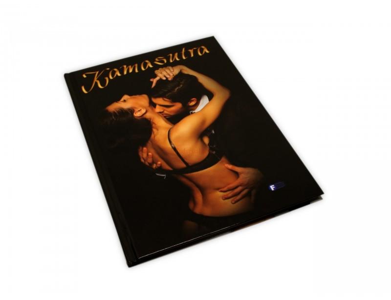 W tej książce przedstawiono ekscytujące pozycje, nie brakuje tu też ciekawostek oraz niezawodnych porad, które sprawią, że Twoje życie seksualne stanie się satysfakcjonujące i pełne emocji.
