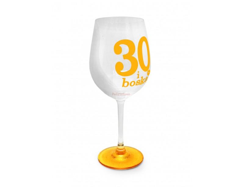 Piękny, stylowy prezent z okazji 30 urodzin dla kobiety. Symboliczny kieliszek do wina ze złotymi nadrukami.
