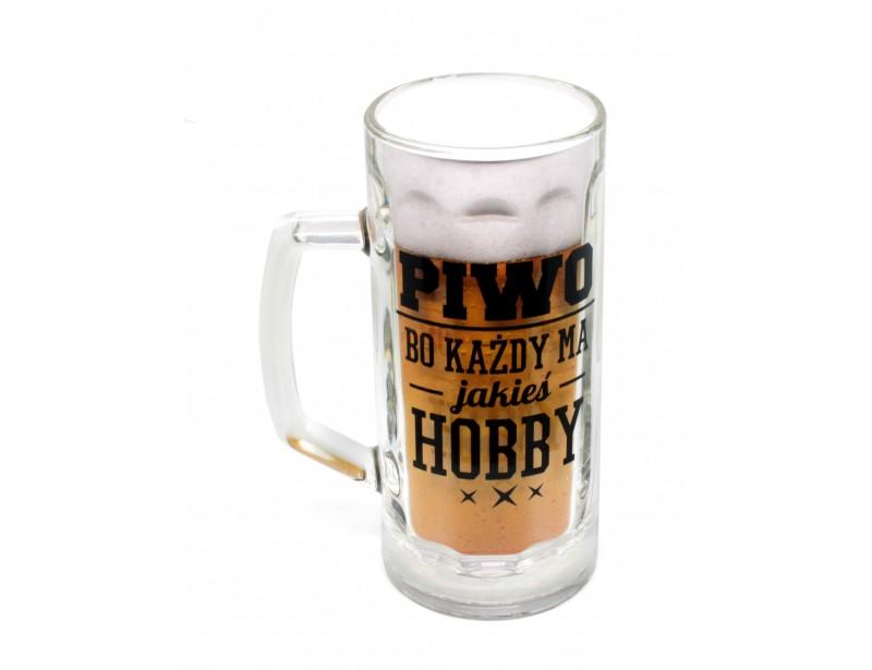 Kufel na piwo z humorystycznym napisem będzie wspaniałym upominkiem urodzinowym lub imieninowym dla każdego mężczyzny, lubiącego złociste trunki :)