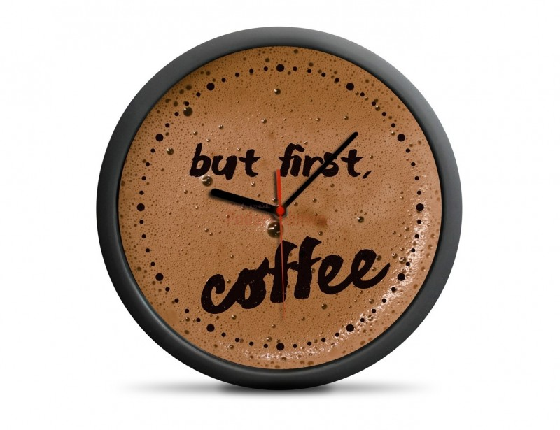 Zegar kawosza to fajny gadżet z motywem kawy dla kolegi lub koleżanki, który warto zawiesić na ścianie. Obowiązkowo w miejscu bliskim szafki z ulubioną kawą.