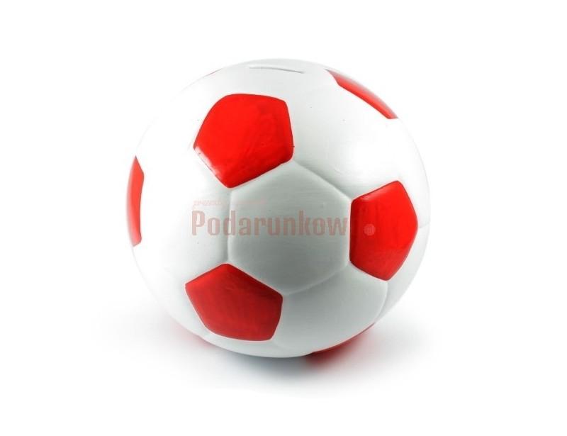 Ceramiczna skarbonka w kształcie piłki nożnej jest precyzyjnie i starannie wykonana przez co nie tylko jest świetną skarbonką, ale może również posłużyć jako ładna ozdoba w pokoju.
