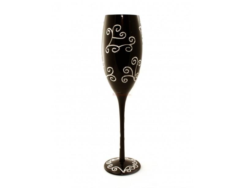 Stylowy, elegancki, symboliczny, pamiątkowy. Tak można w skrócie opisać powyższy kieliszek do szampana:)