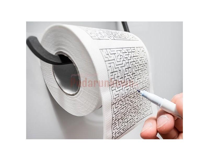Papier labirynt to fajny prezent dla kolegi, który uwielbia różnego typu łamigłówki :) To śmieszny prezent z okazji urodzin lub z okazji Dnia Chłopaka.