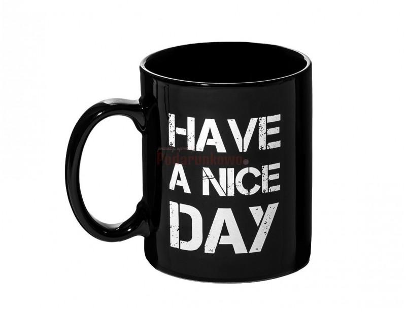 Kubek dla ludzi z charakterem :) Idealny do pracy, idealny do biura, wszędzie tam, gdzie nie możemy do końca wyrażać swoich prawdziwych i szczerych myśli, ze względu na nasze dobre wychowanie i wysoką kulturę osobistą :)