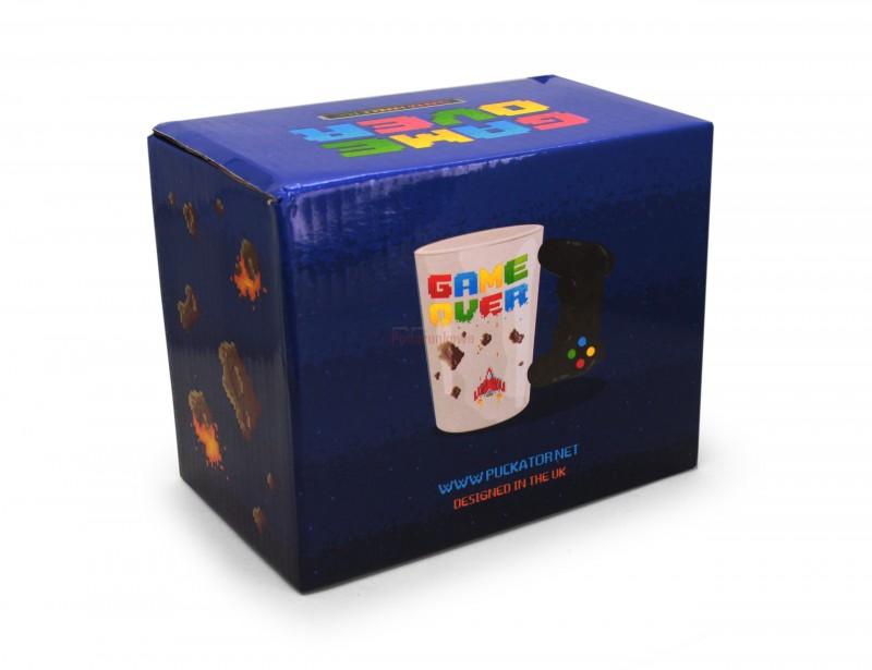 Kubek prawdziwego gracza. Ma oryginalny kształt i będzie pomysłowym gadżetem na urodziny lub na Mikołajki. Mężczyźni uwielbiają takie prezenty :)