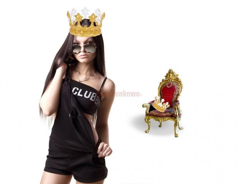 Jak zostać królem, a może królową? Z naszą złotą nadmuchiwana koroną nic prostszego, szybko i niedrogo ;)