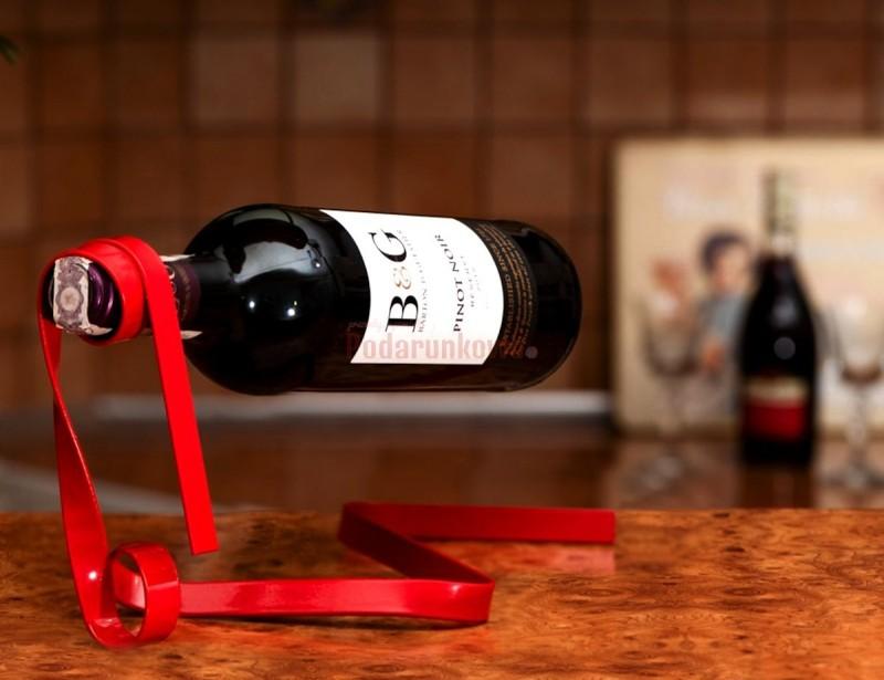 Oto najbardziej niezwykły stojak na wino jaki kiedykolwiek widzieliście.