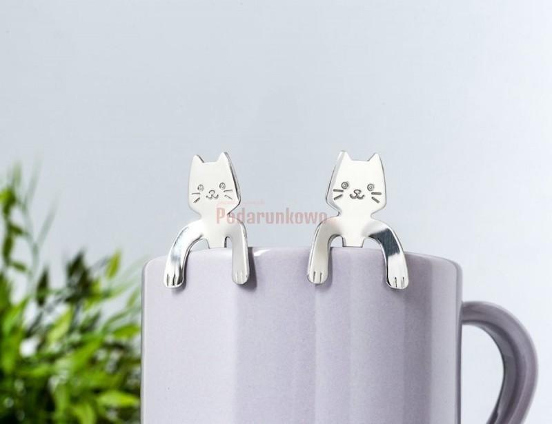 Śliczne łyżeczki kotki są wspaniałym prezentem dla dziewczyny. To niebanalny i stylowy dodatek do kuchennych przyborów.