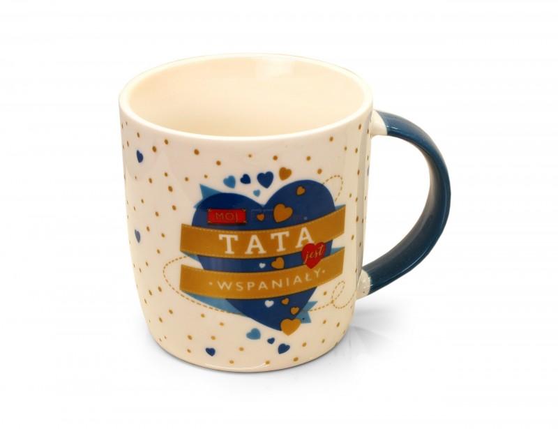 Wspaniały pomysł na prezent dla taty. Elegancki, gustowny kubek wraz z opakowaniem pysznej herbaty z dodatkiem skórki pomarańczy i bławatkiem z pewnością zachwyci Twojego tatę :)