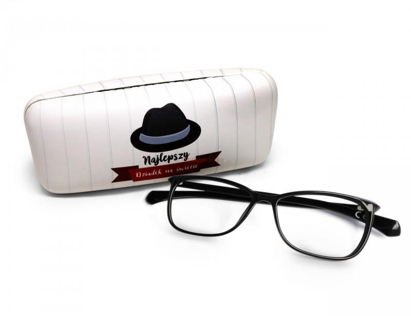 Jeśli myślimy o prezencie dla dziadka, to musimy wymyślić coś wyjątkowego :) I to jest właśnie to! Śliczne, ale także wyjątkowo praktyczne etui na okulary.